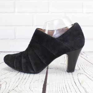 Clarks Artisan Black Suede Ankle Boots Heels Sz 9
